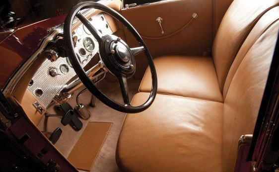 819: 1930 Duesenberg Model J Convertible Sedan - 3