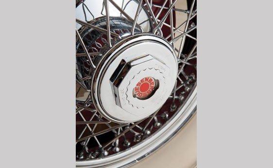 819: 1930 Duesenberg Model J Convertible Sedan - 9