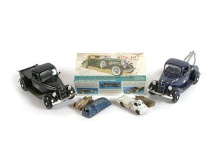 3024: MULTI-MAKE ANTIQUE TOY CARS  Lot of assorted mult