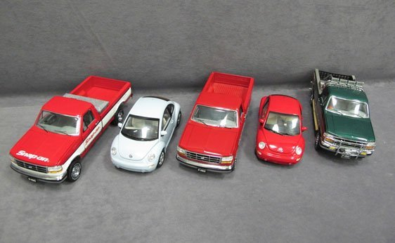 001N: Five (5) 1/24 Scale Franklin Mint Cars