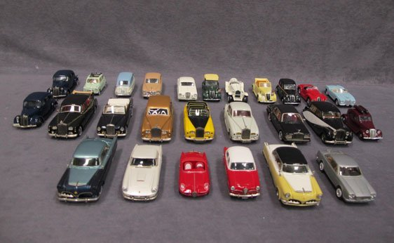 015N: Twenty-Six (26) Assorted Model Cars