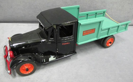 """098N: 1/8 Scale Buddy """"L"""" Foxhill Milk Delivery Truck"""