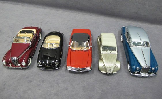 323N: Five (5) 1/24 Scale Franklin Mint Cars