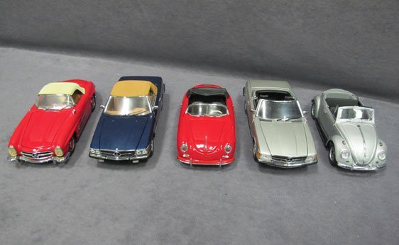 328N: Five (5) 1/24 Scale Franklin Mint Cars