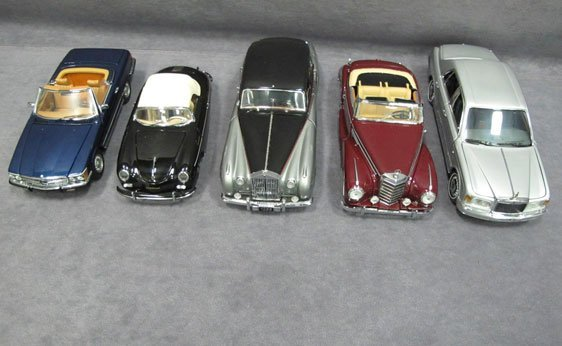 329N: Five (5) 1/24 Scale Franklin Mint Cars