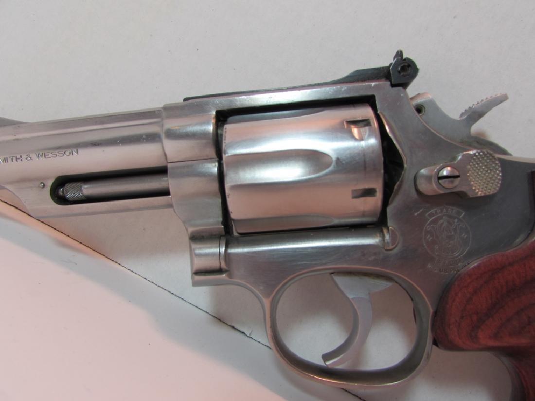 S&W 357 66-2 MAG STAINLESS REVOLVER HANDGUN 6 SHOT - 2