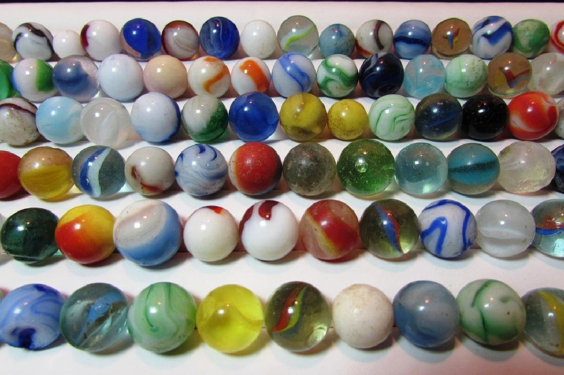100+ LOT OF ANTIQUE/VINTAGE MARBLES IN CIGAR BOX - 4