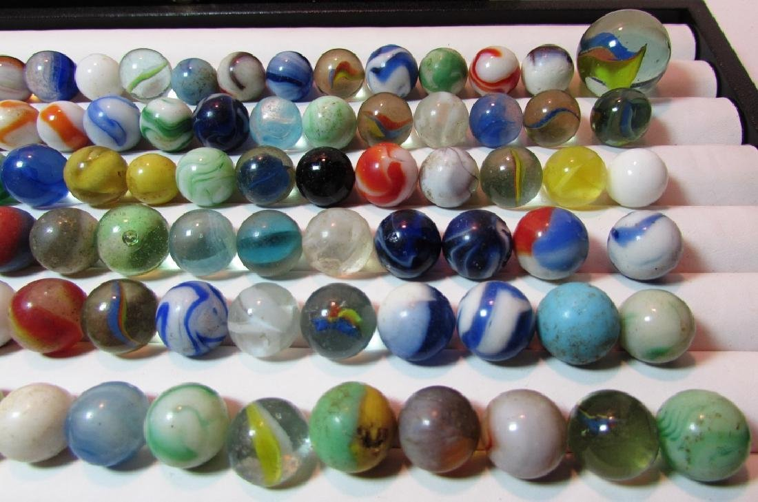 100+ LOT OF ANTIQUE/VINTAGE MARBLES IN CIGAR BOX - 5