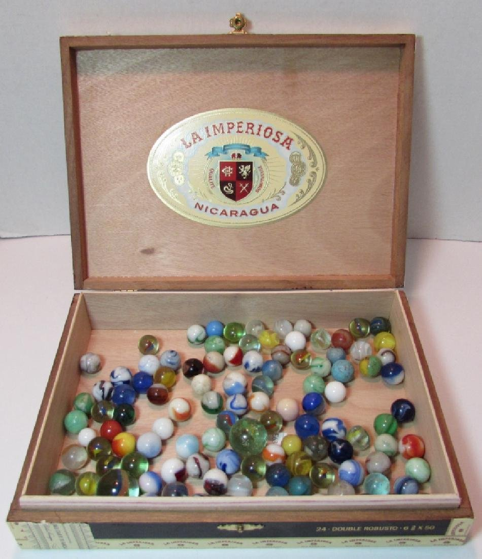 100+ LOT OF ANTIQUE/VINTAGE MARBLES IN CIGAR BOX - 7