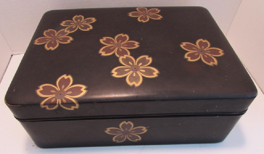 ANTIQUE JAPANESE LACQUER WOOD BOX GOLD INLAID - 4