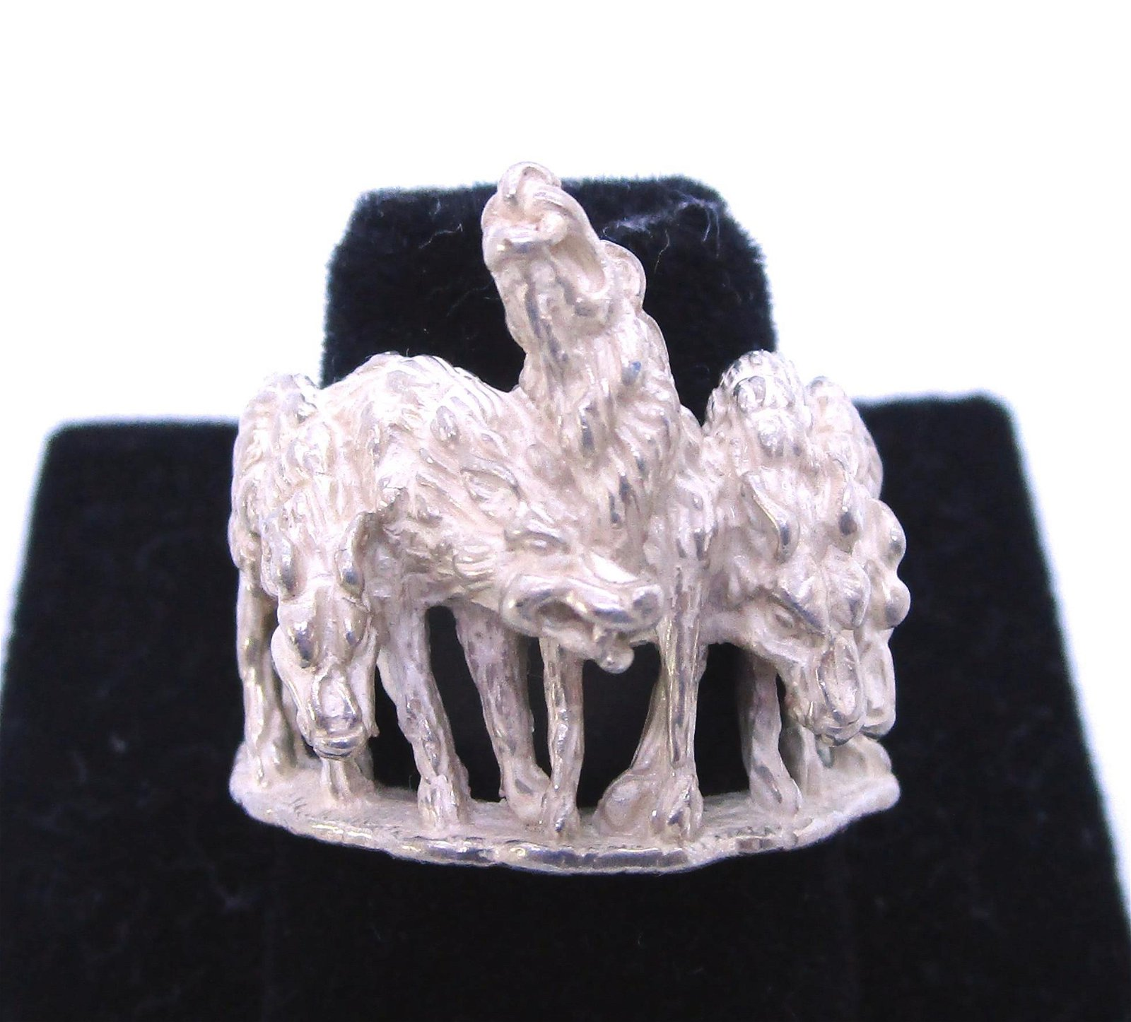 KABANA 5 WOLF PACK RING STERLING SILVER