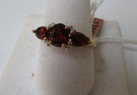 GARNET & DIAMOND RING BY T&C 10K YELLOW GOLD