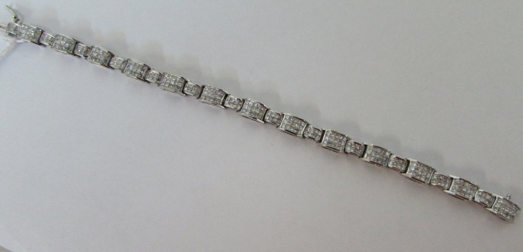 4.5cttw PRINCESS CUT DIAMOND BRACELET 14K WH GOLD