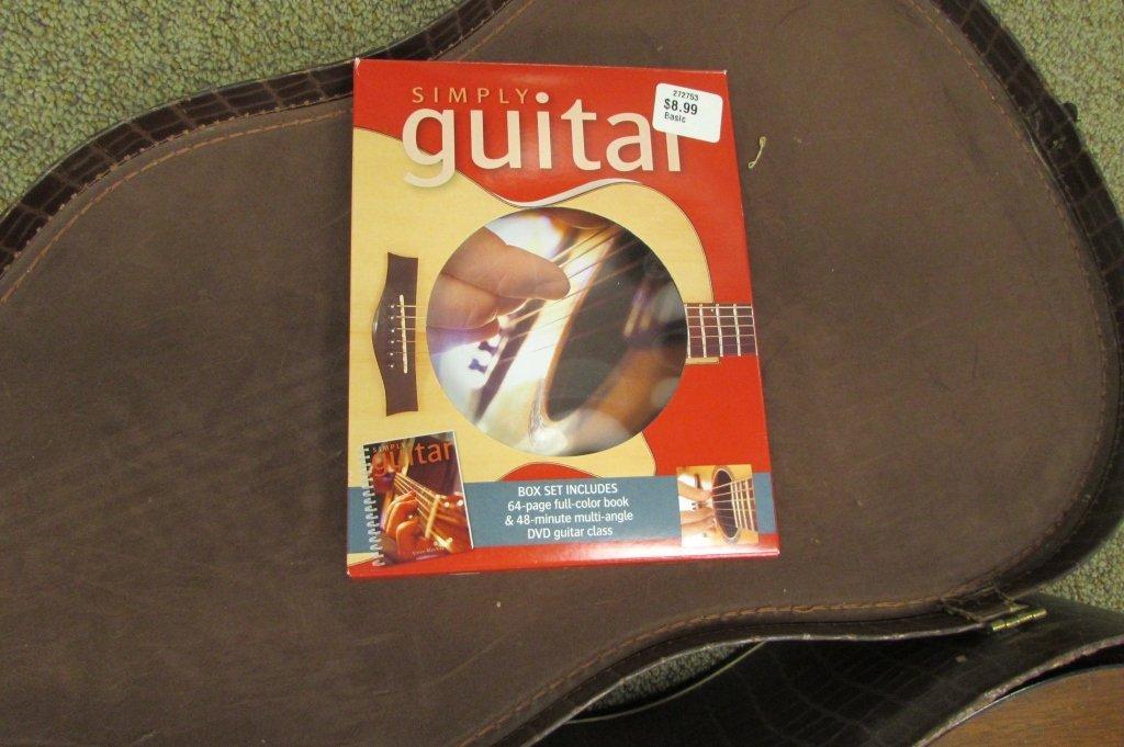 1961 GIBSON LGO ACOUSTIC GUITAR IN ALLIGATOR CASE - 4