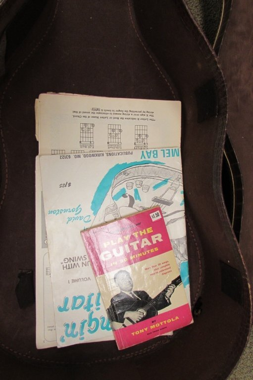 1961 GIBSON LGO ACOUSTIC GUITAR IN ALLIGATOR CASE - 5