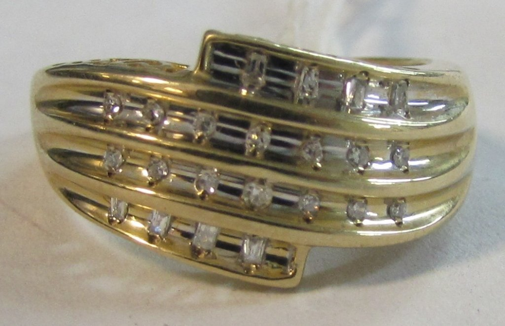 23 DIAMOND RING 10K GOLD LOVE