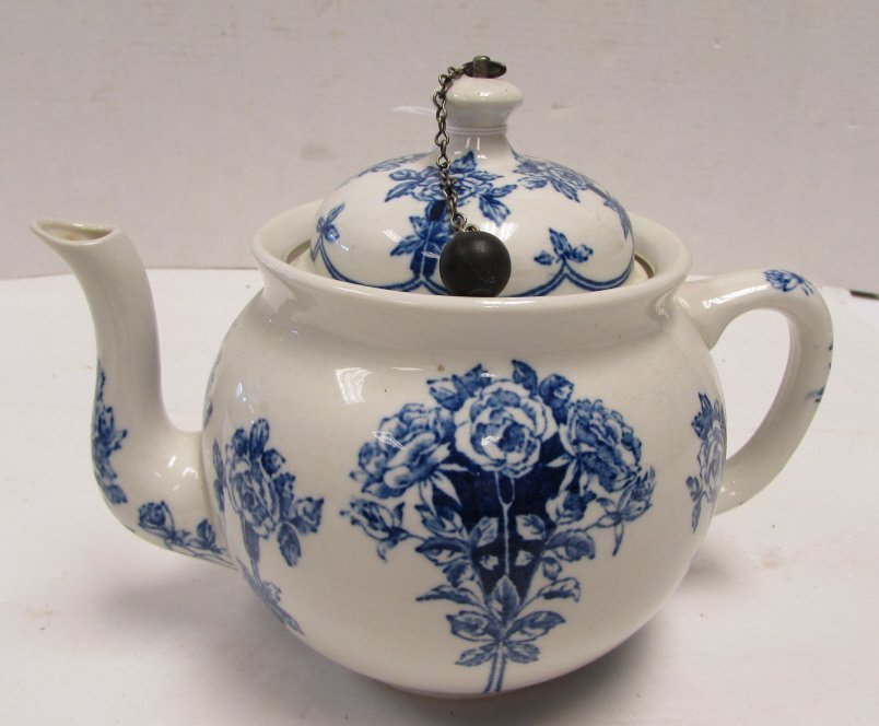 TEAPOT BUFFALO POTTERY ARGYLE 1914 BLUE ROSE