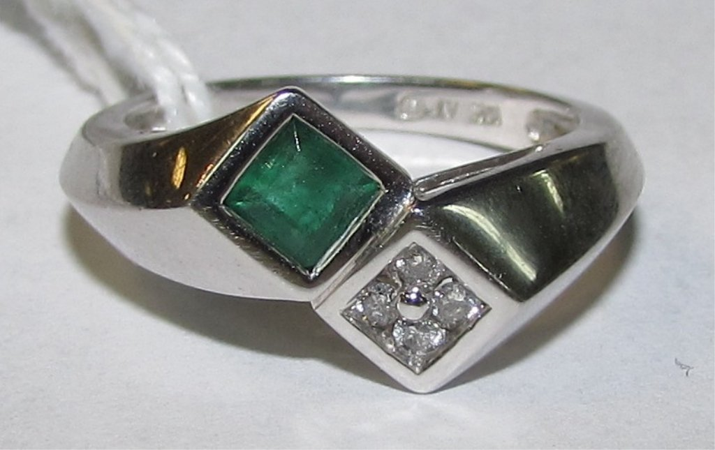 .50CT EMERALD .15CT DIAMOND RING 10K WHITE GOLD