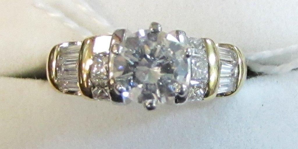 18K & PLATINUM DIAMOND RING 1.04CT SOLITARE