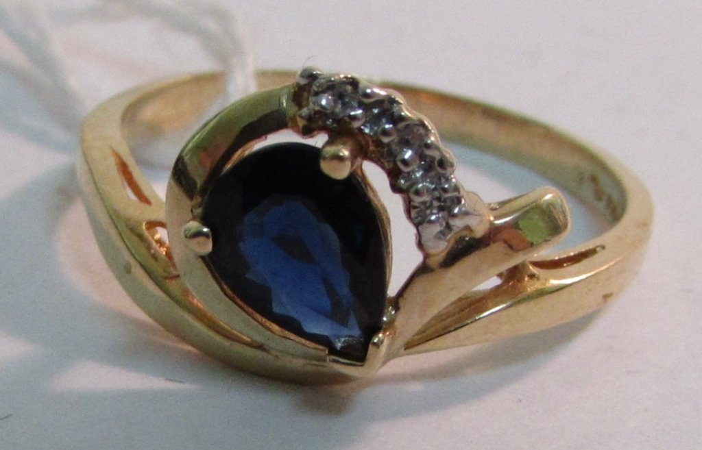 .80CT SAPPHIRE & DIAMOND RING 14K YELLOW GOLD