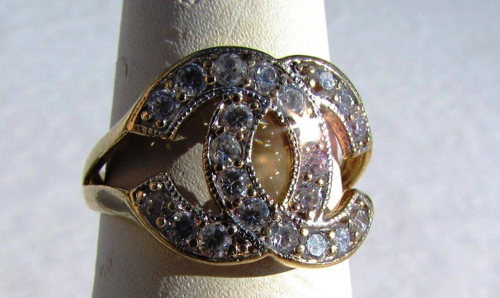 10k GOLD RING CHANEL STYLE 3.7 g CZ