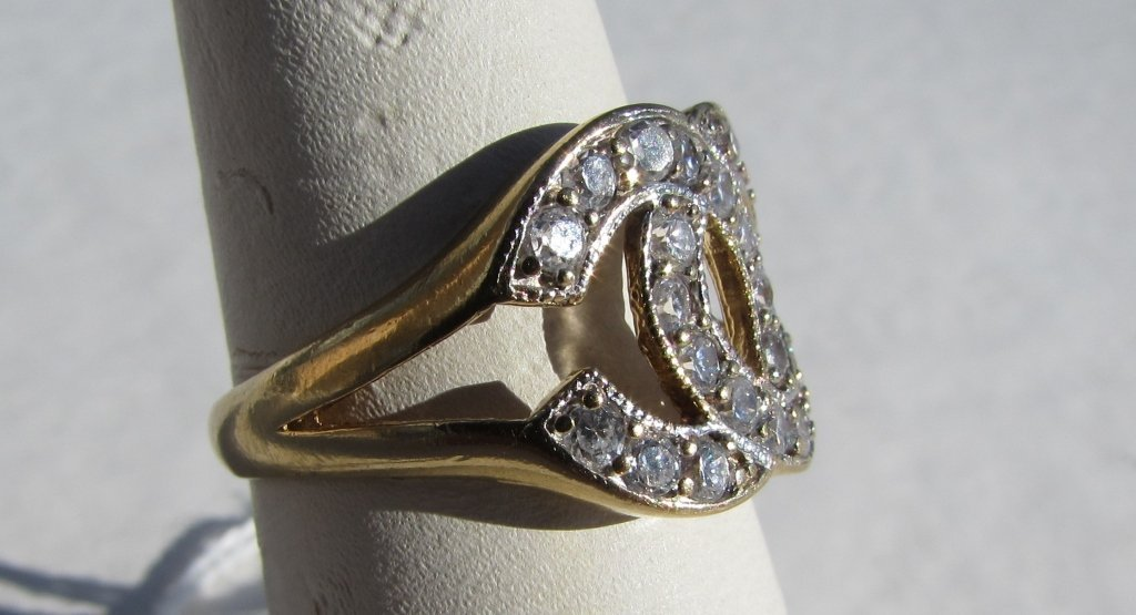 10k GOLD RING CHANEL STYLE 3.7 g CZ - 3