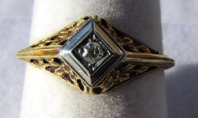 14k GOLD RING DIAMOND ANTIQUE .03 CT