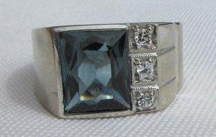 DIAMOND TOPAZ RING 10K GOLD 6.5 GRAMS SIZE 8