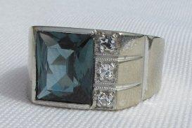 DIAMOND TOPAZ RING 10K GOLD 6.5 GRAMS SIZE 8 - 7
