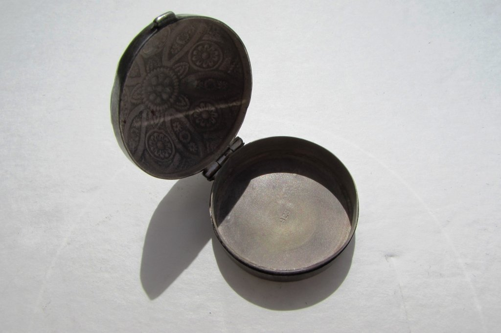 STERLING SILVER REPOUSSE COVERED PILL BOX - 3