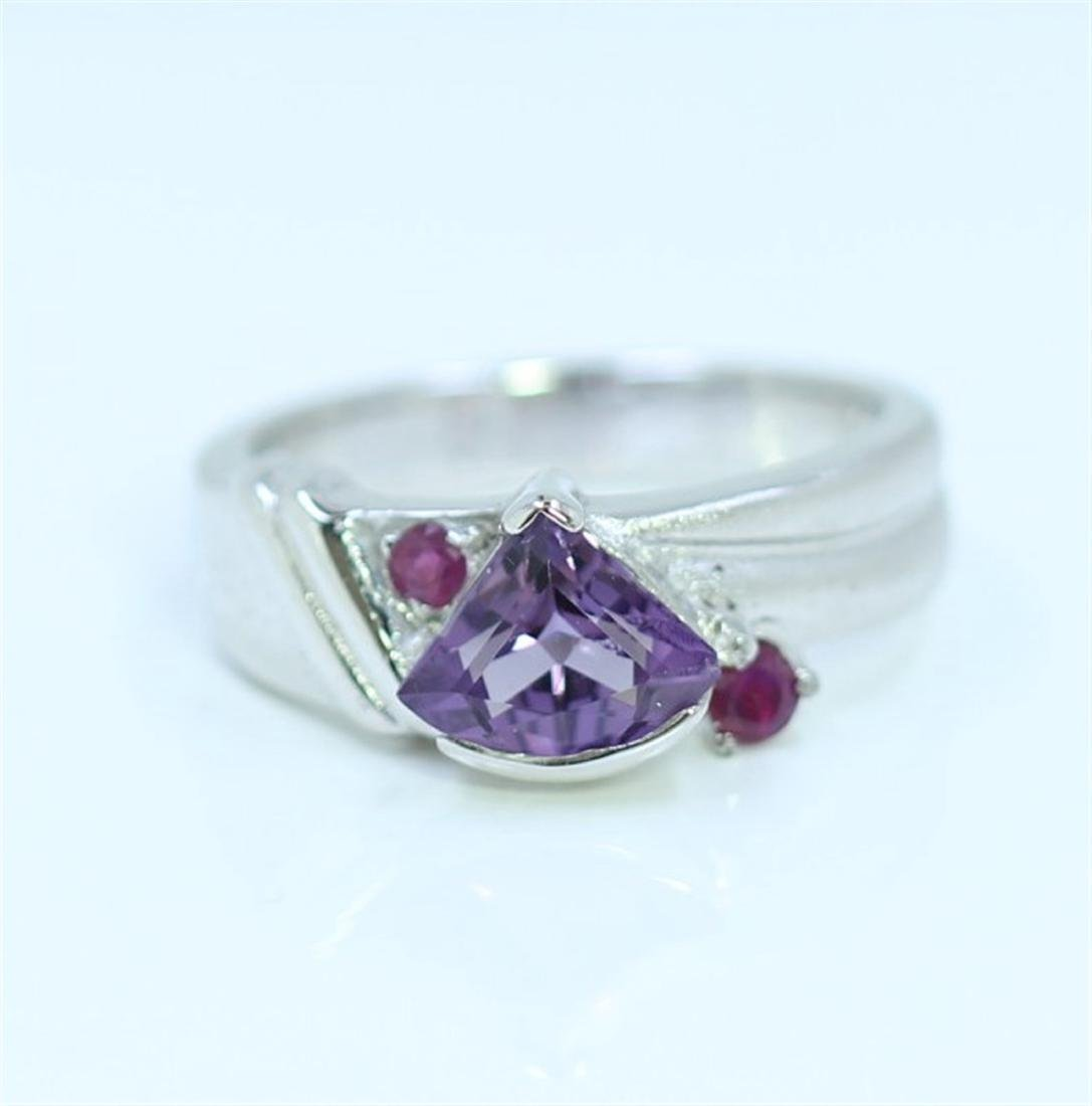 Sterling Silver .925  Amethyst W/ Ruby Ring 6.17gram
