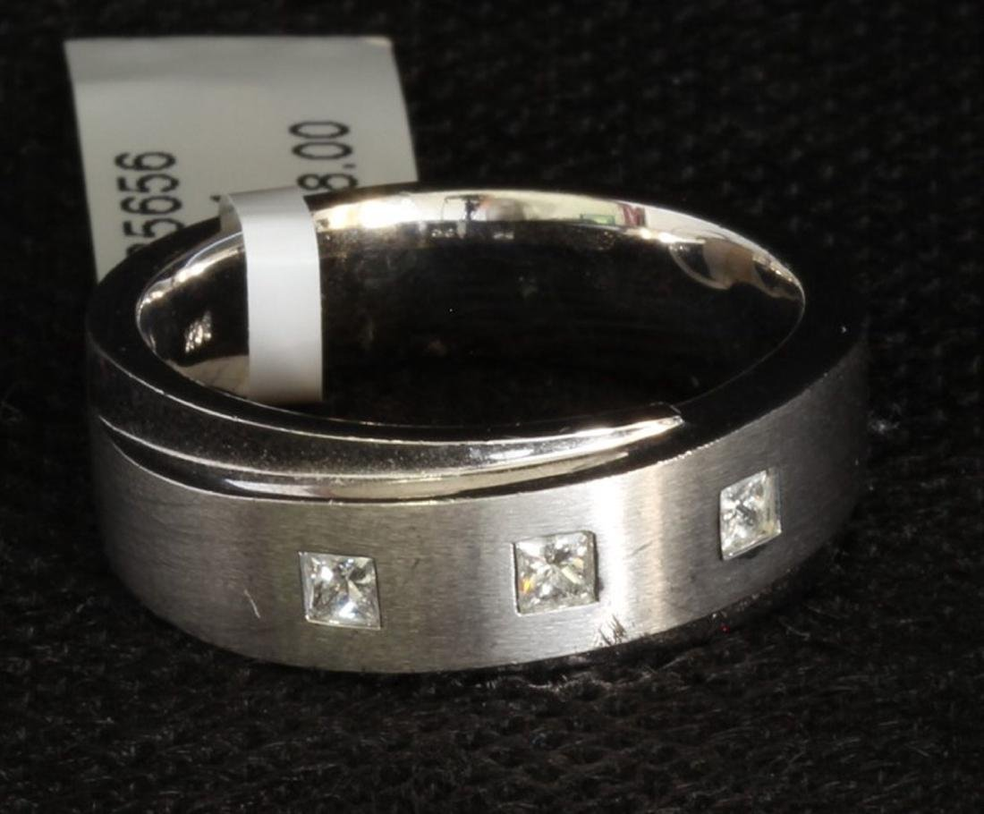 14K WHITE GOLD PRINCESS CUT DIAMOND RING:12.50