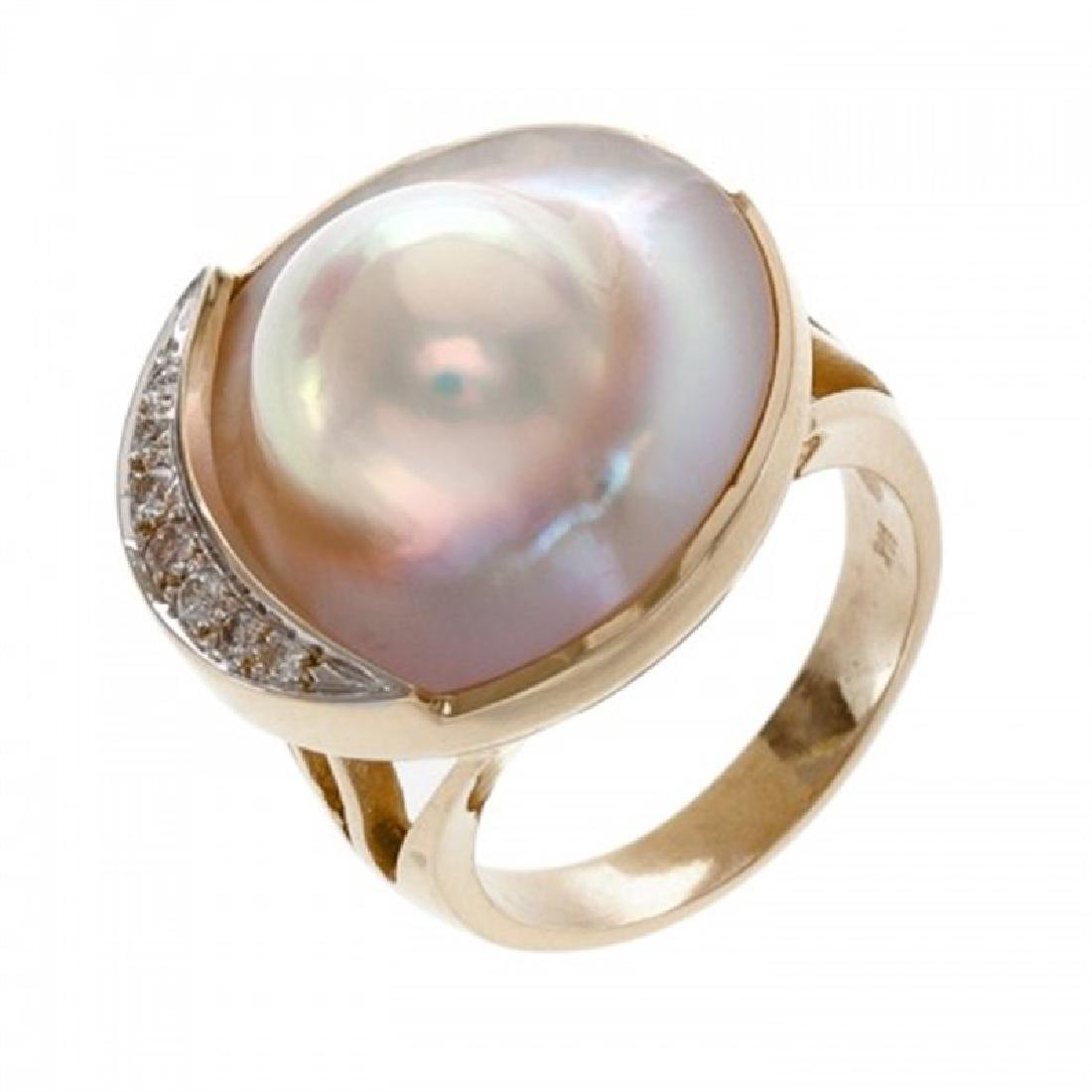 19.5-20.0mm Mabe Blister Pearl Ring with Diamonds