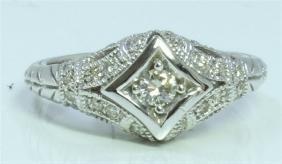 14K WHITE GOLD RING 4.46 GRAM DIAMOND 0.29CT CENTER