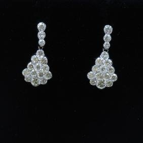 18K White Gold And Diamond Earring Round Shape