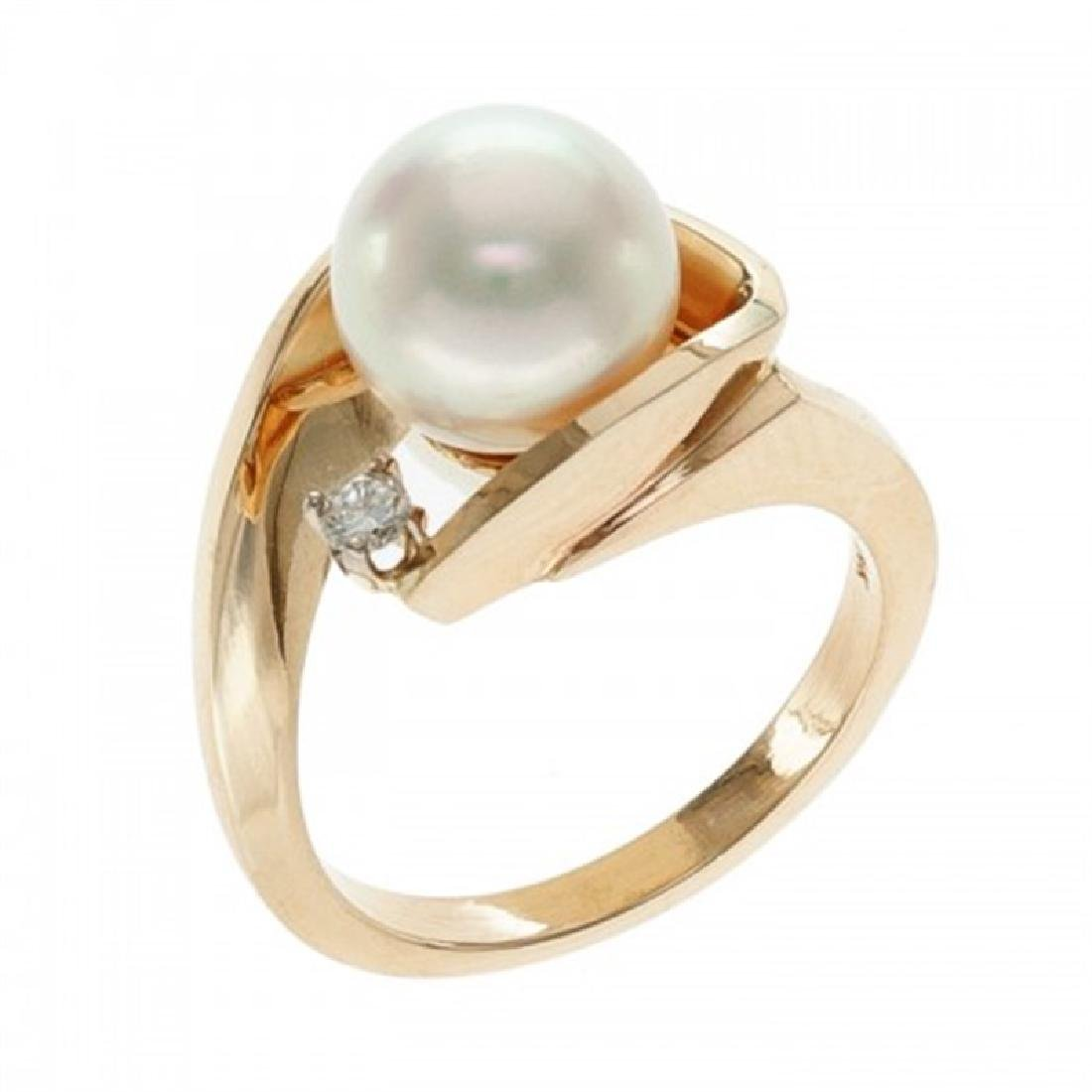 9.0-9.5mm Japanese Akoya Pearl Ring with Diamond