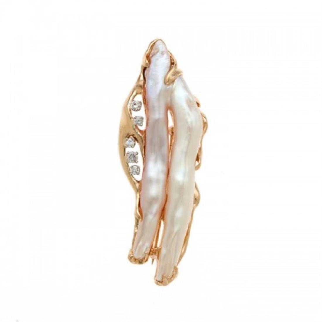 Biwa Pearl Pin with Diamonds