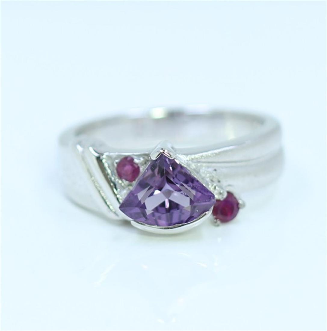 Sterling Silver .925  Amethyst W/ Ruby Ring 6.17gram