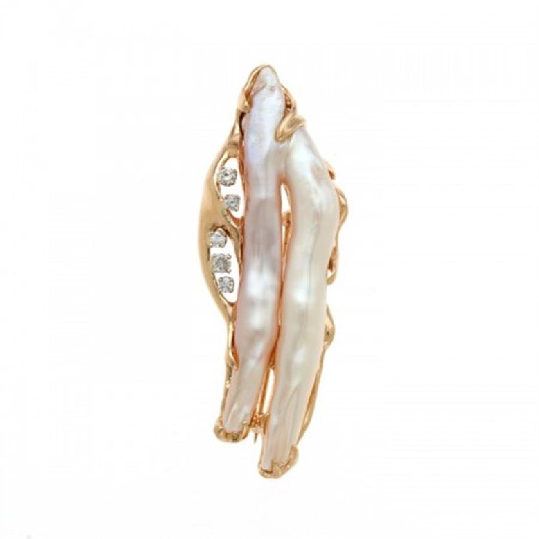 Biwa Pearl Pin with Diamonds