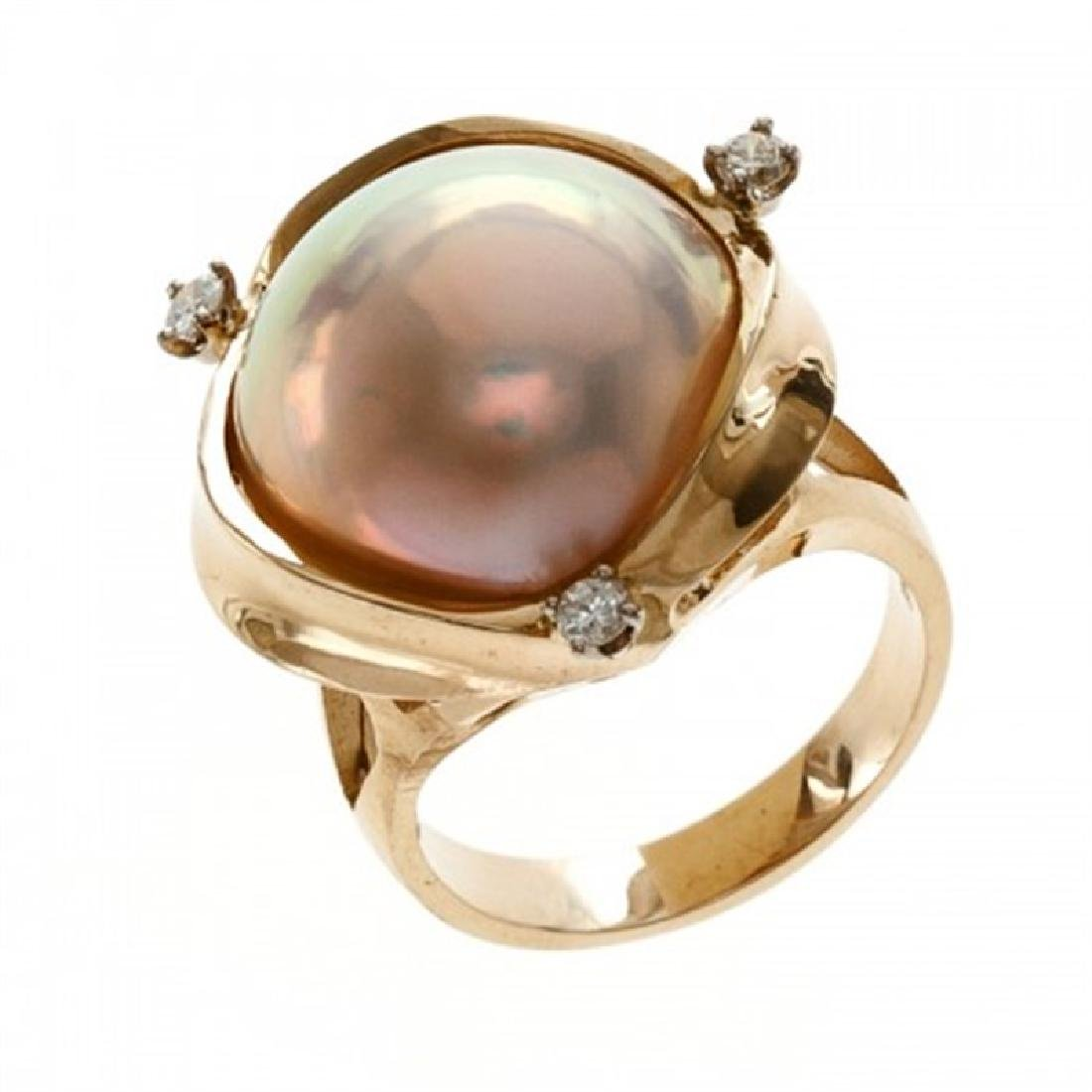 16.0-16.5mm Mabe Pearl Ring with Diamonds