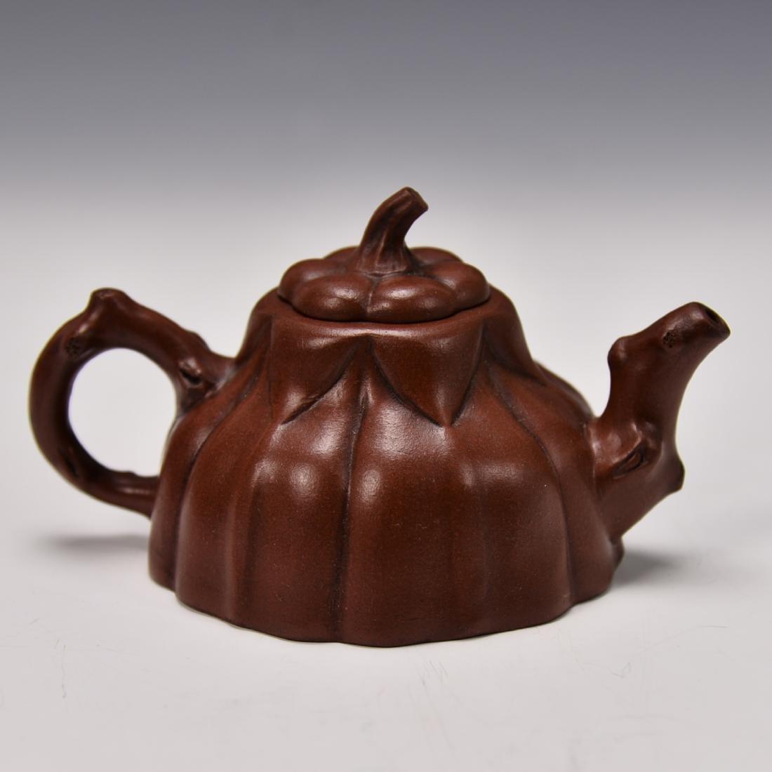 CHINESE YIXING ZISHA TEA POT - 6