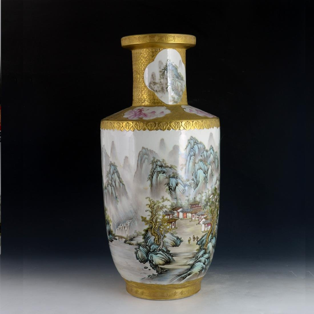CHINESE GILTED FAMILLE ROSE VASE