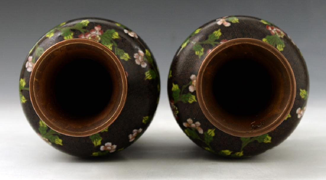 A Pair of Chinese Cloisonne Vase - 4