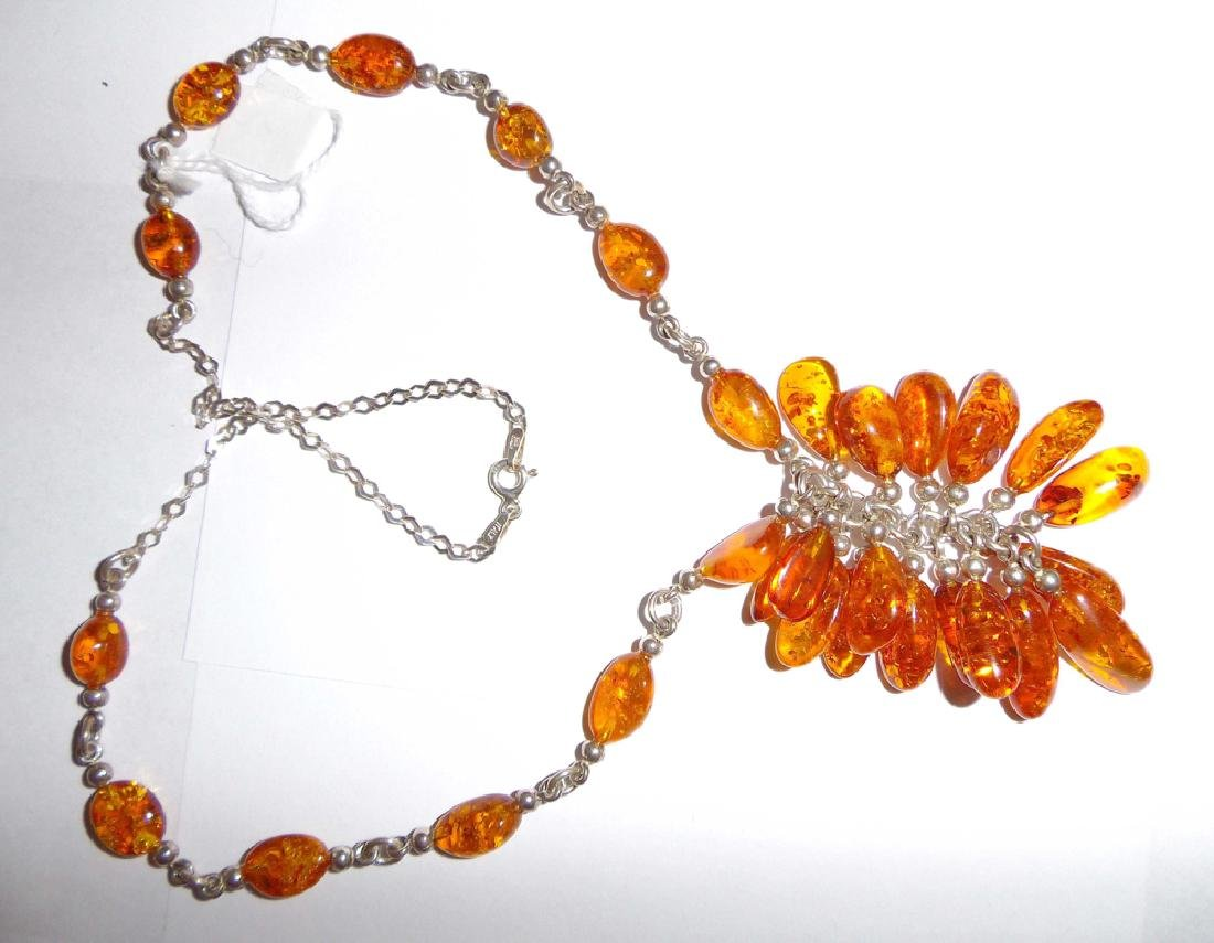 """A Natural Amber Necklace,10 1/2"""" x 2"""