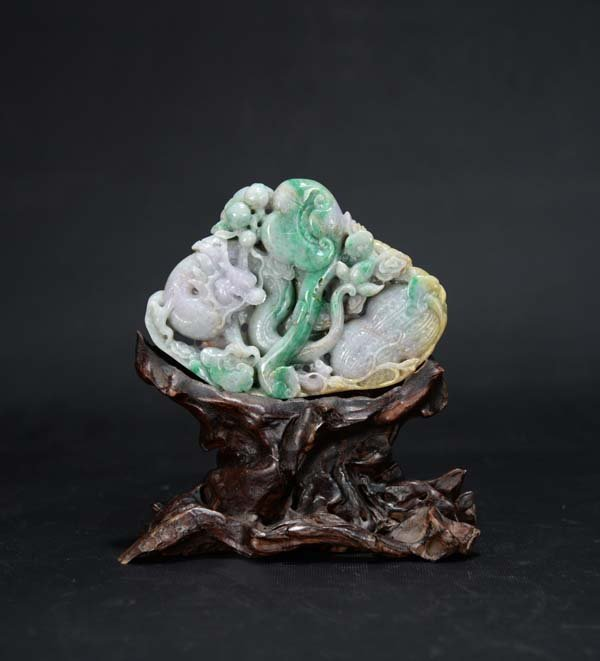 Jadeite decoration with dragon and cloud carving