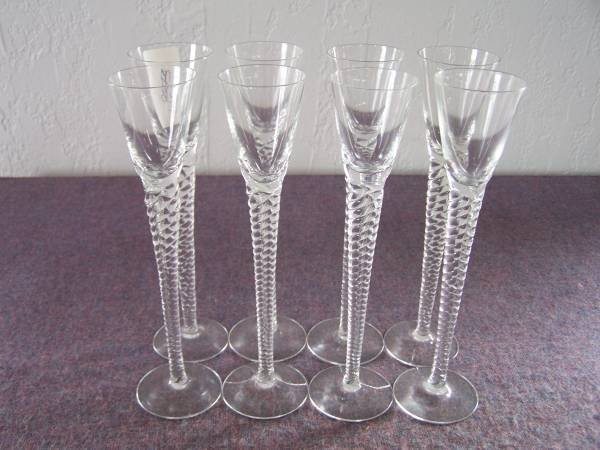 5: Twisted Stem Cordial Glasses