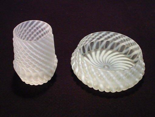 212: White Swirl Vase & Bowl