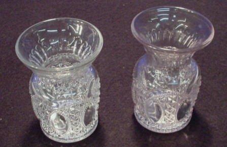 220: Daisy & Button Vases