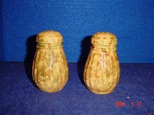 Pair of spongeware shakers.