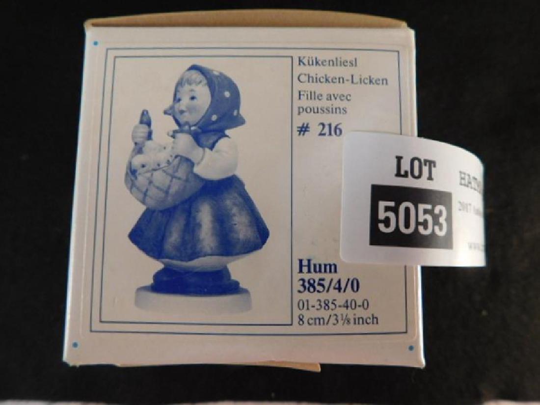 HUMMEL GOEBEL BERTA M.I  FIGURINE CHICKEN-LICKEN - 4